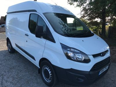 Ford Transit Custom 2.2 TDCi 125ps Low Roof Van Panel Van Diesel WhiteFord Transit Custom 2.2 TDCi 125ps Low Roof Van Panel Van Diesel White at AMH Autos Ltd Selby