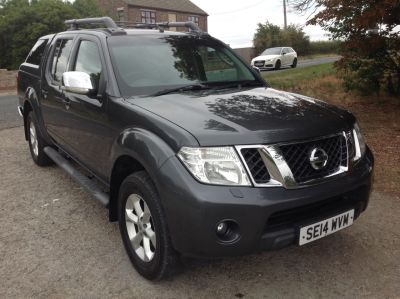 Nissan Navara 2.5 Tekna Pick Up Diesel GreyNissan Navara 2.5 Tekna Pick Up Diesel Grey at AMH Autos Ltd Selby